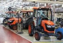 Co dwie minuty nowy ciągnik rolniczy – fabryka Kubota w Tsukuba