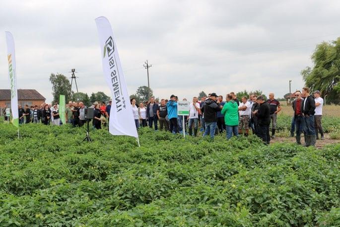 Mimo niesprzyjającej pogody na spotkanie przybyło wielu plantatorów