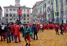 138 osób z obrażeniami po karnawałowej bitwie na pomarańcze