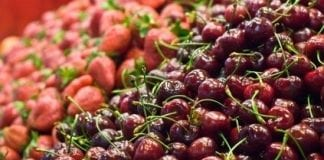 Na rynku owoców – rośnie podaż, ceny spadają
