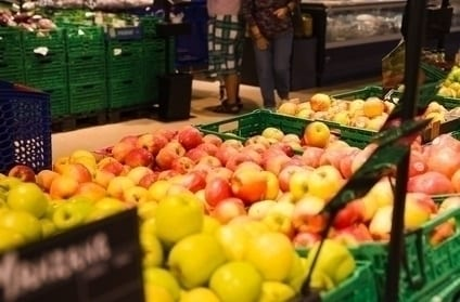 owoce w Hipermarkecie