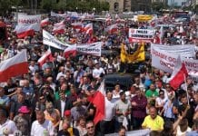 Rolnicy i sadownicy protestują w Warszawie; jest list do premiera