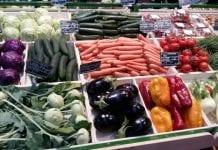 W sklepach – połowa towarów rodzimej produkcji