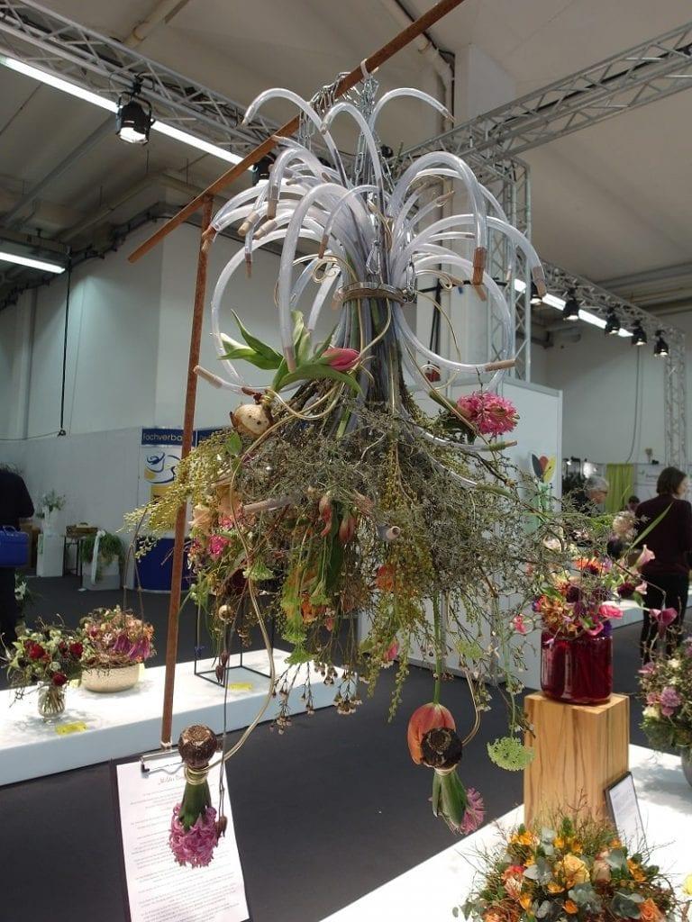 Różnorodne kompozycje florystyczne były dowodem na to, jak dużą wyobraźnią wyróżniają się ich twórcy -1