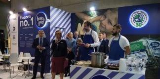 Smak koloru niebieskiego na targach w Berlinie