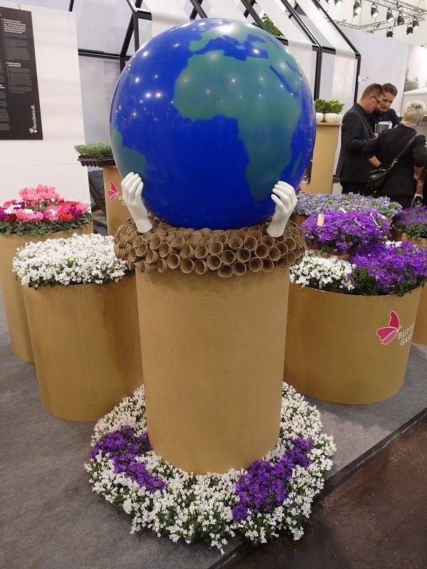 Dbałość o zrównoważony rozwój i środowisko – ten temat był wyraźnie widoczny na stoiskach wystawców IPM ESSEN 2019, tu ekspozycja gospodarstwa Gartneriet Tvillingegaarden