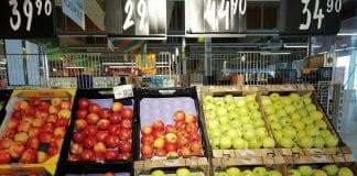 Owoce i warzywa w supermarkecie w Czechach