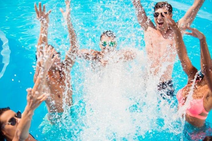 Planujesz zakup basenu do ogrodu? Sprawdź na co zwrócić uwagę przed zakupem basenu