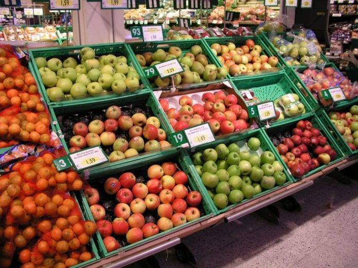 Owoce i warzywa w sklepie