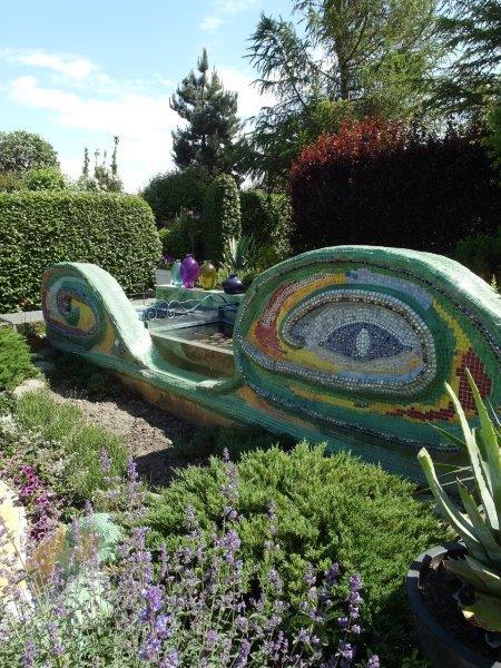 Ogrod-w-stylu-Gaudiego1