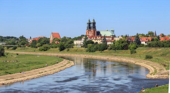 Poznań- widok Ostrowa Tumskiego I Warty z Mostu Św. Rocha